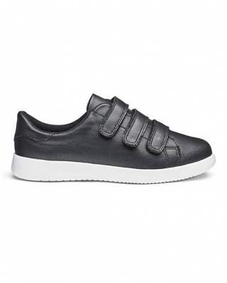 Обувки леки
