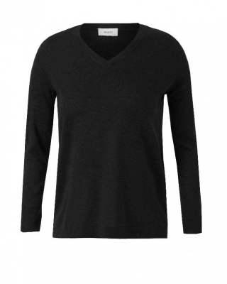 Пуловер шпиц черен